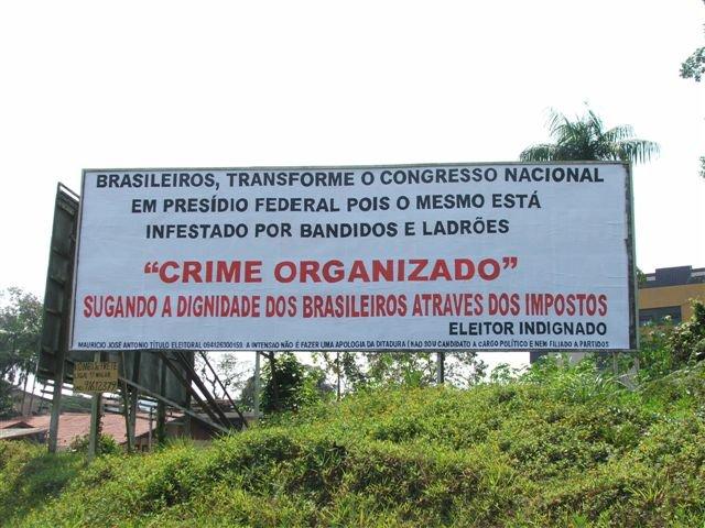 brasileiro-transforme-o-congresso-nacional-em-presidio-federal